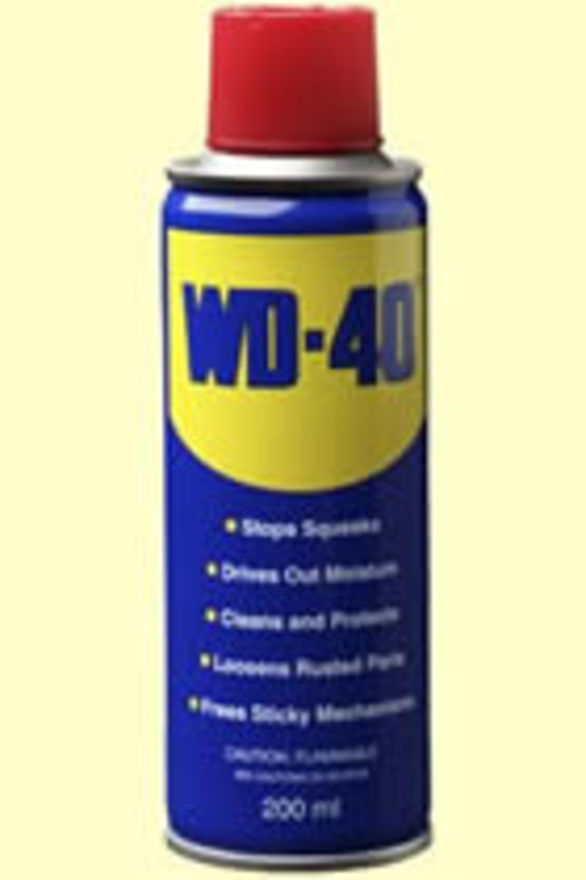 WD40 Penetrating Oil
