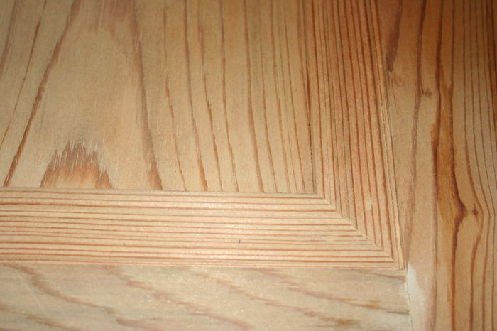 LPD Pitch Pine Int. Door Panel Beading - IMG 8010