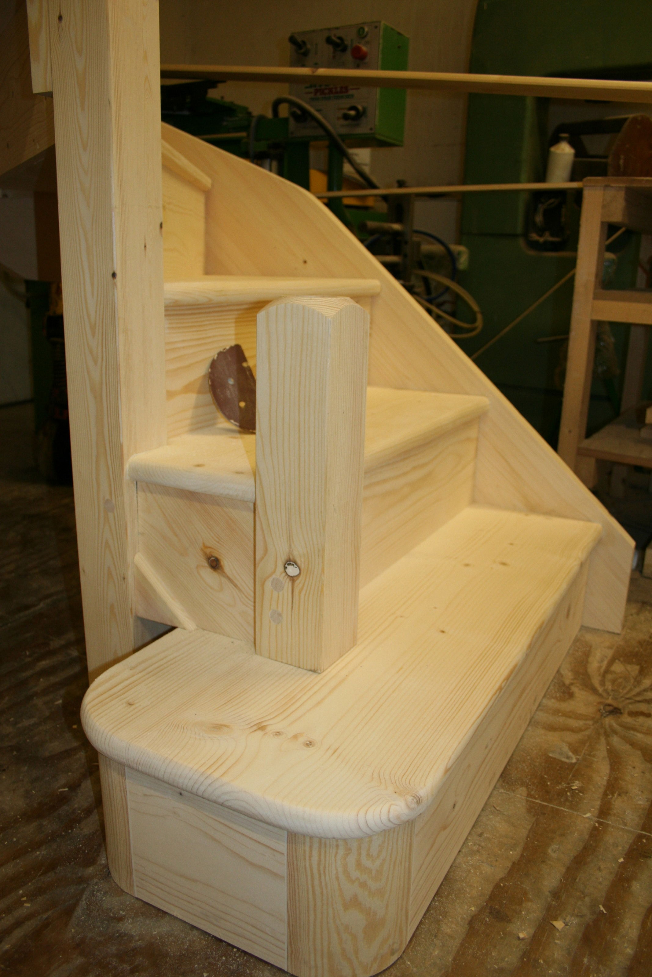 Softwood Closed-Tread Stair with Pine Curtail Bottom Step; Image 1271