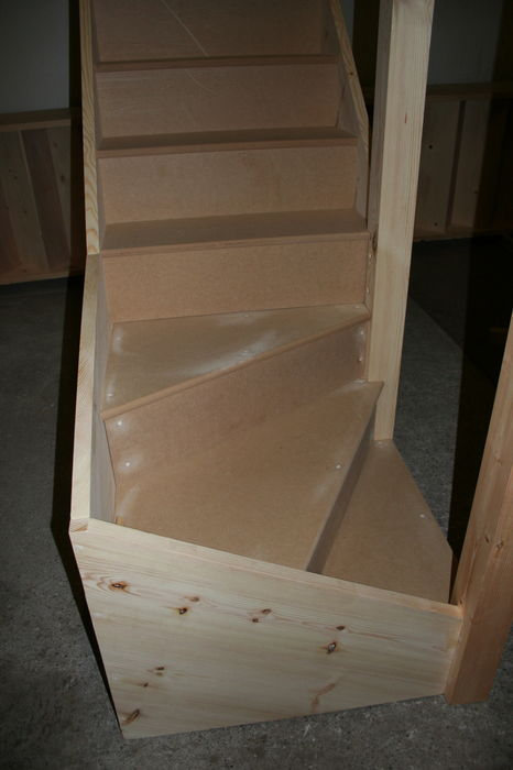 IMG 1563 Stairs Kitewinder Newel with mortice & tenon joint (14)