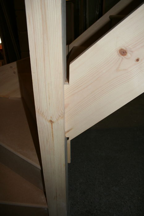 IMG 1563 Stairs Kitewinder Newel with mortice & tenon joint (16)