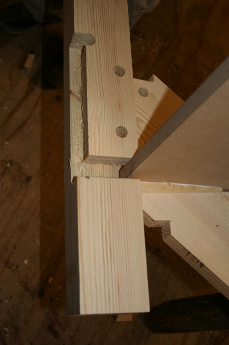 IMG 1563 Stairs Kitewinder Newel with mortice & tenon joint (7)