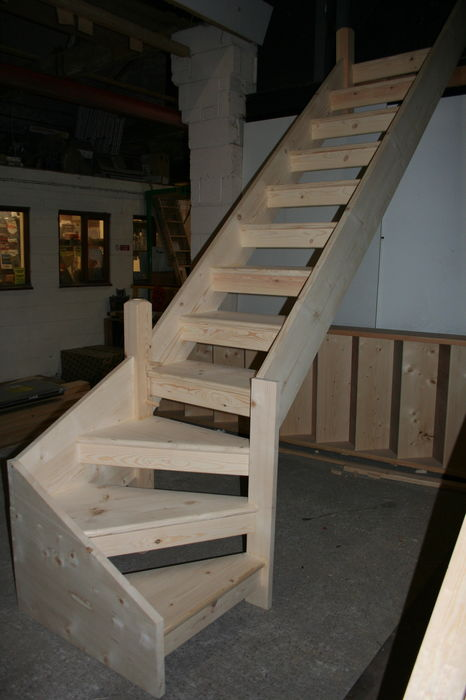 Solid Pine Open Tread Stairs and Kitewinder; Image 1433.3
