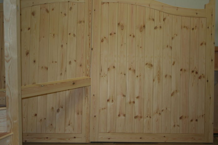 Softwood Pair Framed Tongued and Grooved Garage Doors; Image 9194