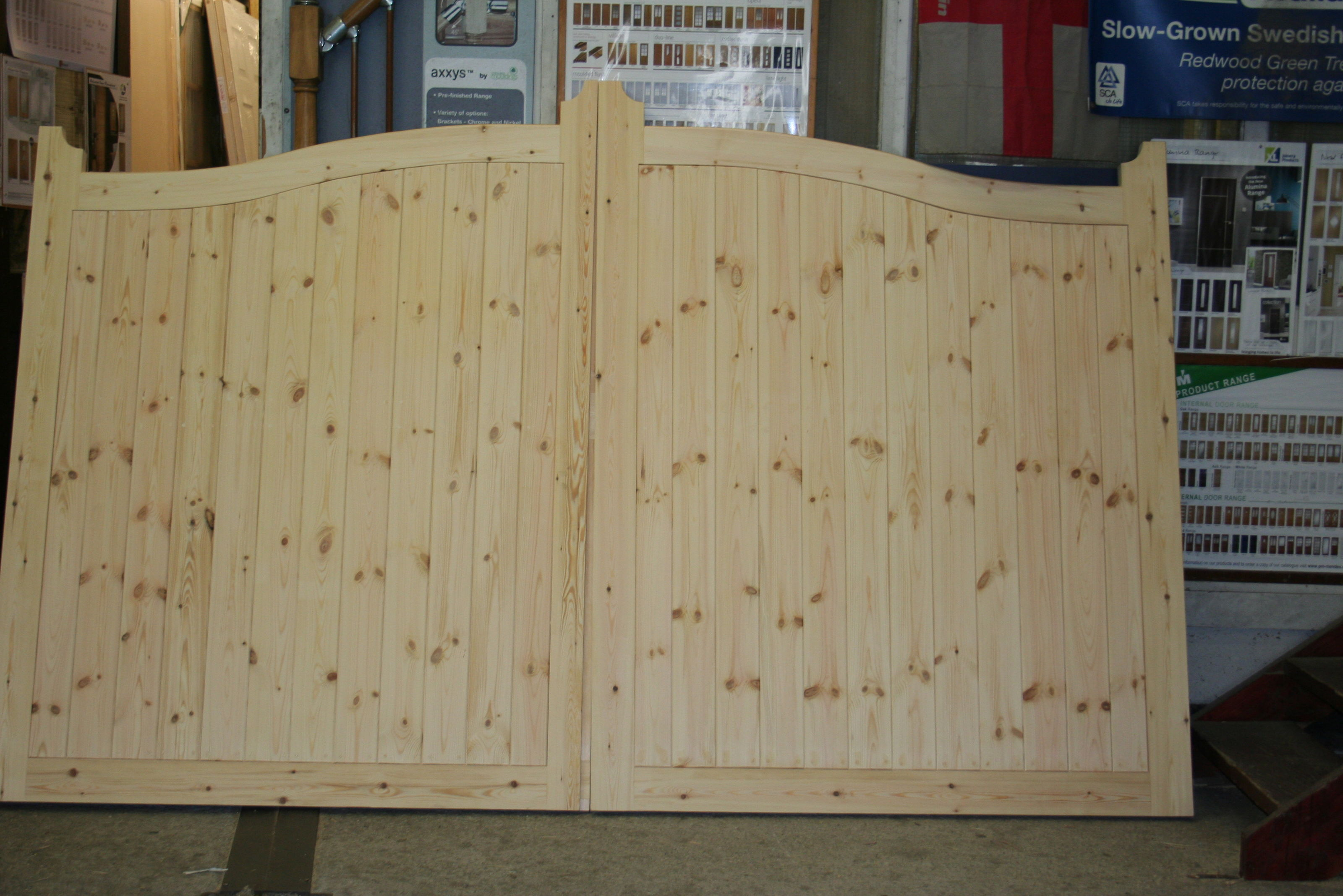 IMG 9201 Softwood Pair Drive Gates (2)