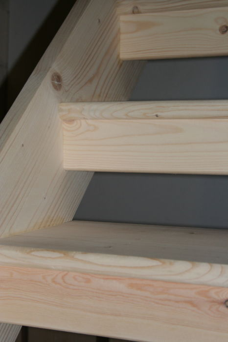 Softwood Open Tread Staircase with half-risers; Image 1433.4