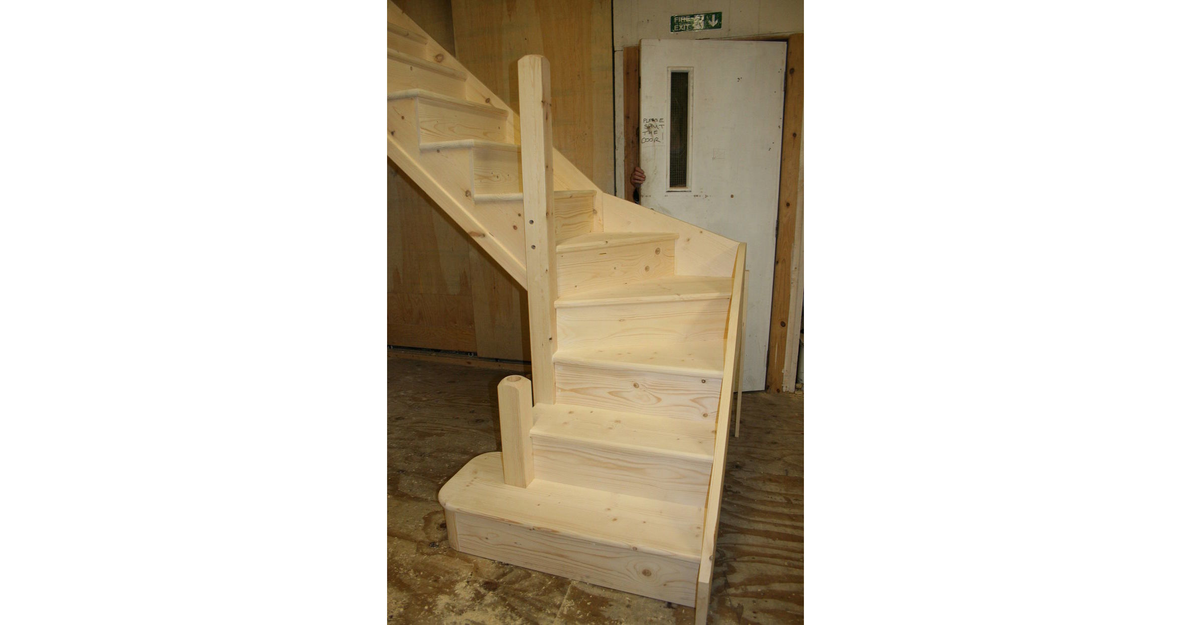 Staircase + Kitewinder Curtail-step Newels Open-string Solid-pine