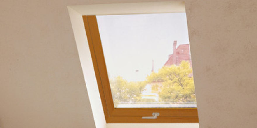 Roto Designo R7 - Oak Roof Window