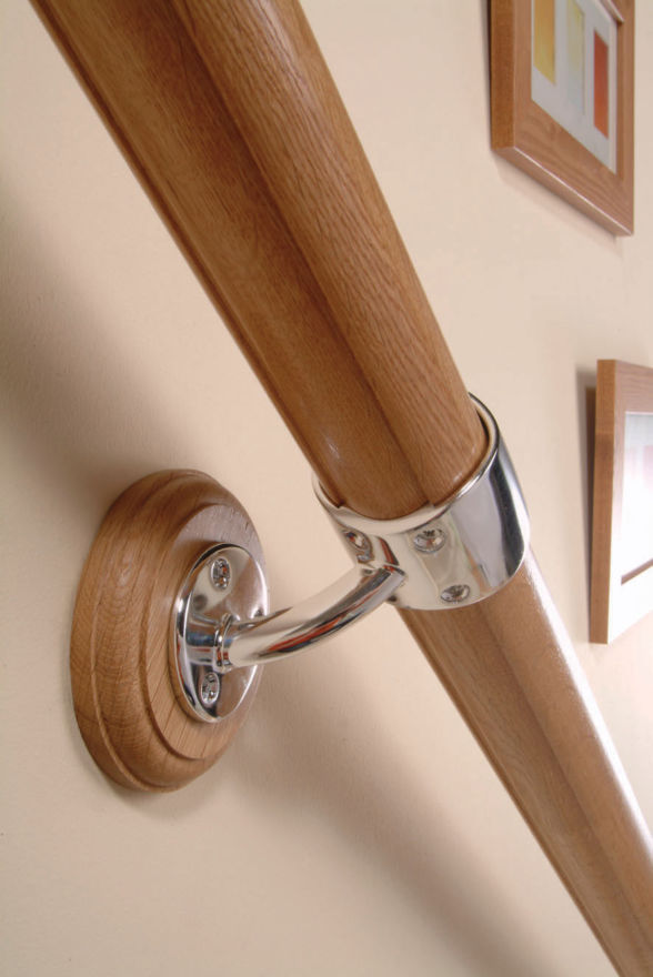 Axxys Handrail in a Box OAK with Chrome Intermediate Connector - RBIC
