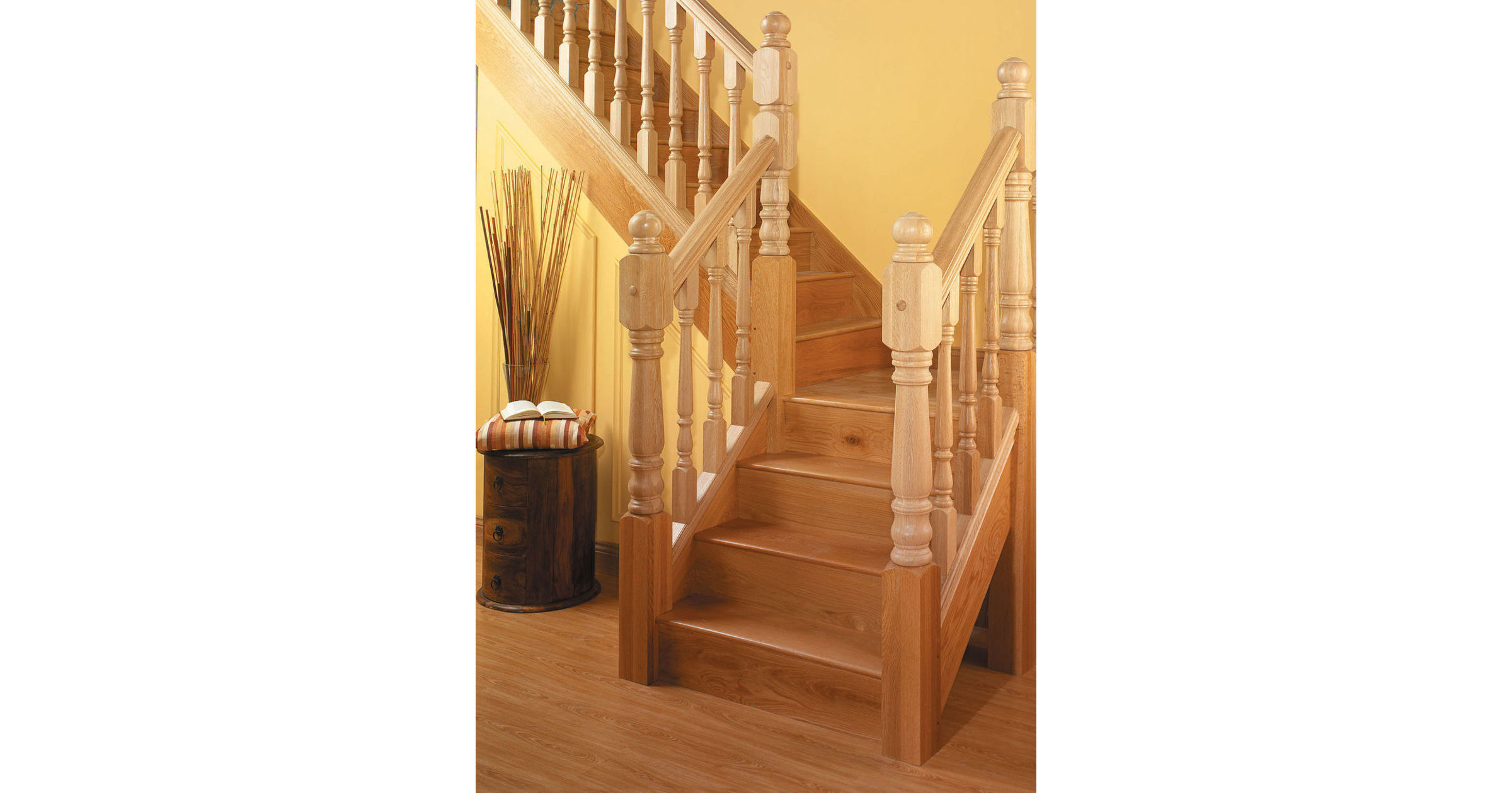 Benchmark™ Pine Stairparts