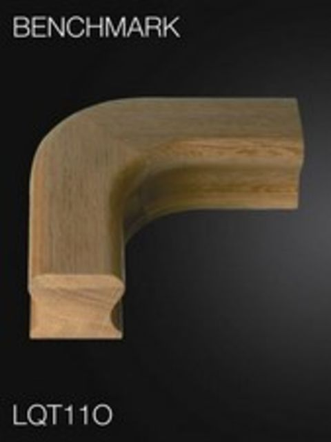 Oak Handrail Level Quarter Turn - Cheshire Mouldings LQT11O