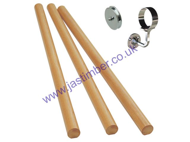Wall-Mounted Oak Handrail with Silver-effect Fittings - Richard Burbidge KIT08