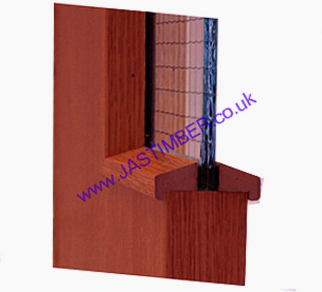 Hockey Stick FD30 Glazing-Bead 21x24mm x 3 metre cut to 2 lengths - Sapele-Foil MDF